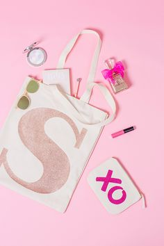 Alphabet Bags rose gold tote. Photographer: Marianne Taylor