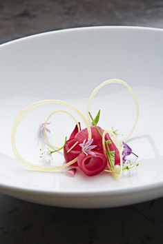 30 Interesting Food Plating Ideas By Indian Vegetarian Recipes Food Plating Techniques, Michelin Star Food, Plate Presentation, Molecular Gastronomy, Edible Art, Culinary Arts, Creative Food, Food Design, Chefs