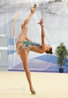 Gymnastics Photos, Gymnastics Photography, Sport Gymnastics, Artistic Gymnastics, Olympic Gymnastics, Dance Photography, Rhythmic Gymnastics Training, Gymnastics Flexibility, Rhythmic Gymnastics Leotards