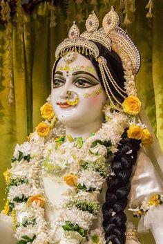 Krishna Avatar, Radha Krishna Holi, Baby Krishna, Jai Shree Krishna, Radha Krishna Pictures, Radha Rani, Krishna Love, Radhe Krishna, Krishna Art