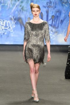 5a5953ef153 Naeem Khan Fall 2015 Ready-to-Wear Collection Photos - Vogue Fashion Week