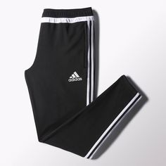Built for cold-weather warm-ups, these men's soccer pants are made with breathable climawarm™ that keeps you warm when temperatures drop. Featuring a soft brushed fleece interior, a tapered fit and convenient ankle zips.