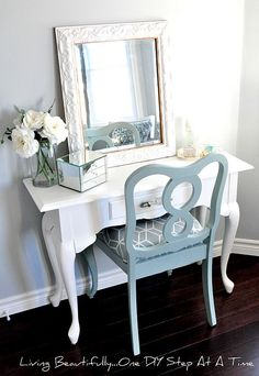 DIY guest bedroom vanity or desk without the mirror. Decoration Inspiration, Room Inspiration, Creative Inspiration, Home Bedroom, Bedroom Decor, Master Bedroom, Master Bath, Mirror Bedroom, Bedroom Storage