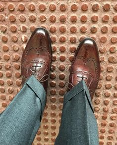 _cm78_Oh boy I love these shoes. @edwardgreen1890 Plymouth with Customised paying by dandy shoe care from our folks at @skoaktiebolaget. Bespoke pants by #mysterytailor from Naples. . . . #edwardgreen #skoaktiebolaget #dandyshoecare #shoeporn#82last #menswear #bespoke #tailoring #sartorial #wiwt #shoeshine #patina #shoegazing