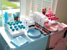 Gender Reveal Ideas- 7 Trendy Themes for Your Gender Reveal Party - Gender Reveal Ideas- 7 Trendy Themes for Your Gender Reveal Party - offenbaren Ideen Shower Party, Baby Shower Parties, Baby Shower Themes, Shower Ideas, Idee Baby Shower, Shower Bebe, Boy Shower, Gender Party, Baby Gender Reveal Party