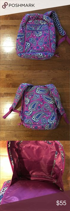 """Vera Bradley Campus tech Backpack Vera Bradley campus Backpack with separate zippered laptop compartment.Used a couple of times , great condition.size 12""""w x16""""h x71/2 d with 2 3/4"""" handle drop adjustable straps. Vera Bradley Bags Backpacks"""