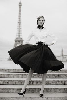 Home decor color inspiration | Quintessential 50s Parisian elegance in simple but refined black and white photography.