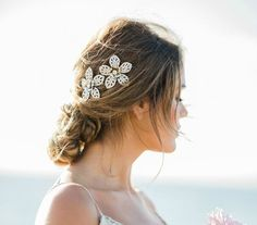 Kauai Bridal Comb https://www.loveandlavender.com/top-10/bridal-combs/