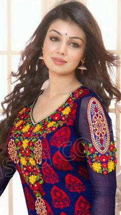 A.k...beautiful Beautiful Girl In India, Beautiful Blonde Girl, Stunning Girls, Beautiful Asian Girls, Beautiful Bollywood Actress, Most Beautiful Indian Actress, Beautiful Actresses, Stylish Girl Images, Stylish Girl Pic