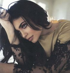 Who Has Come Out On Top In The Battle Of Kylie Versus Kylie? The legal battle over trademarking the name 'Kylie' rumbles on. Kendall Jenner, Kylie Jenner Outfits, Kylie Jenner Photoshoot, Kendall Y Kylie Jenner, Trajes Kylie Jenner, Kylie Jenner Makeup, Kylie Jenner Style, Kylie Minogue, Kardashian Jenner