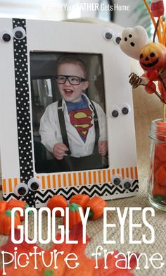 Display your little one's Halloween costume photos each year in this easy to make googly eyes picture frame via Wait Til Your Father Gets Home. #Halloween #googly eyes