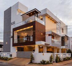 Home Styles Exterior, Modern Exterior House Designs, Modern House Design, Exterior Design, Hall Interior Design, Modern Bungalow House, Bungalow Exterior, Small Balcony Design, House Design Pictures