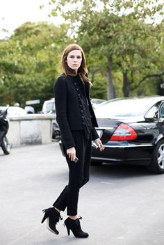 'a formula that is rather casual and very modern, but trendy? not so much...'    Another article on French versus American women's style...Highlights--the average French woman is presentable ALL the time, while Americans tend to 'dress up' (put together an entire ensemble) to be presentable and otherwise lounge around in junky, sloppy, or mismatched clothes