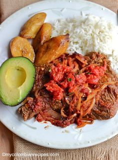 Bistec a la Criolla (Colombian -Style Creole Steak) - Recipes World Colombian Dishes, Colombian Cuisine, My Colombian Recipes, Meat Recipes, Mexican Food Recipes, Cooking Recipes, Healthy Recipes, Ethnic Recipes, Latin American Food