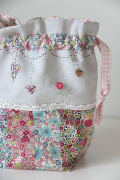 A blog by a Mummy who likes to crochet, knit, sew, quilt, weave and occasionally bake.