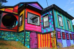 Artist Kat O'Sullivan Transforms a Dull Shack Into a Psychedelic Rainbow House