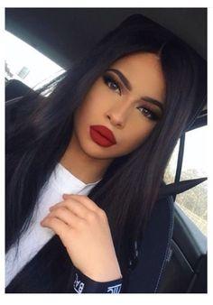 Lovely lipstick and dark hair | Inspiring Ladies Pretty Makeup, Love Makeup, Beauty Makeup, Makeup Looks, Hair Beauty, Sfx Makeup, Makeup Style, Gorgeous Makeup, Makeup Geek