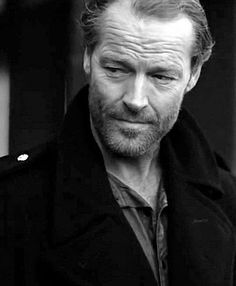 Iain Glen - A man of many talents. : Photo