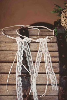 στεφανα γαμου Wedding Wreaths, Save The Date, Clothes Hanger, Tray, Crown, Wedding Ideas, Coat Hanger, Corona, Clothes Hangers