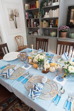 blue thanksgiving table decor