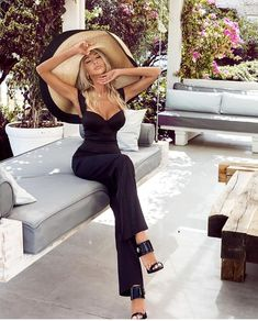 """Chique & Lifestyle on Instagram: """"Beautiful @dashabelize 🖤🔝 via @milano_streetstyle"""" Summer Memories, Dress Sandals, Jumpsuit, Street Style, Beautiful, Instagram, Lifestyle, How To Wear, Dresses"""