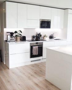 Sweet Home, House Ideas, New Homes, Led, Kitchen, Home Decor, White Kitchens, Cooking, Decoration Home