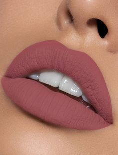 """One of Kylie Cosmetic's most-requested """"bring back"""" shades! Angel Liquid Lipstick Lip Kit is your secret weapon to create the perfect 'Kylie Lip.' Each Lip Kit comes with a Matte Liquid Lipstick and matching Lip Liner. Angel is a mauvy pink. Lip Gloss Colors, Lip Colors, Stain Colors, Lip Sence, Batons Matte, Best Lipsticks, Matte Lipsticks, Lipstick Colors Matte, Makeup Looks"""