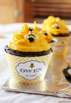 Bumblebee party   Personalized DIY printable cupcake by Chickabug