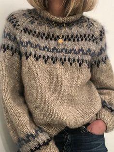 Sweater Knitting Patterns, Knit Patterns, Knitting Stitches, Free Knitting, Skandinavian Fashion, Long Sweaters, Sweaters For Women, Hand Knitted Sweaters, Pullover Sweaters