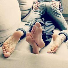 Alternative gay licking feet img