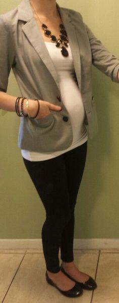 Maternity fashion, Kristina's closet, Leggings, Blazer, statement necklace, 16 weeks