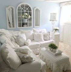 Vintage Shabby Chic, Shabby Chic Decor, Country Decor, Life Is Good, Bedroom Ideas, Living Spaces, Death, Cottage, English