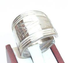 Breiter Ring mit Goldrand  Gr. 18,6 mm, S132 von Atelier Regina auf DaWanda.com