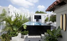 Located within the burgeoning arts district of Guadalajara, Casa Fayette is the latest addition to Mexico-based Grupo Habita's stable of boutique design hotels. Curated by Milanese designers Dimorestudio, the property injects an intoxicating mix of m...