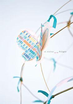 """Detalle de """"Jaula con luz"""" en turquesa de El atelier de las Pulgas. Actualmente a la venta en Luz y Ambiente."""