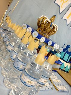 We Heart Parties: Party Information - Little Prince Baby Shower Royal Baby Shower Theme, Fiesta Baby Shower, Royal Baby Showers, Baby Shower Princess, Boy Baby Shower Themes, Baby Shower Parties, Baby Boy Shower, Baby Shower Decorations, Prince Baby Showers