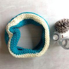 Colsjaal+tunnelsjaal+blauw+met+wit+hand+gehaakt++van+TaklaDesign+op+DaWanda.com