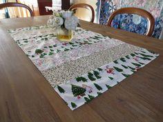 Chemin de table noël avec sapins : Textiles et tapis par michka-feemainpassionnement