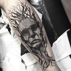 Man and nature #eletricink @inkonik_tattoo_studio