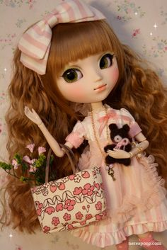 "Nerea Pozo Art: Custom Pullip doll ""BEATRICE"" by Nerea Pozo"