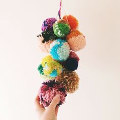 pom pom garland in nursery? Crafts To Do, Diy Crafts, Diy Classroom Decorations, House Paint Interior, Interior Design, Pom Pom Crafts, Pom Pom Garland, Weaving Art, Crafty Craft