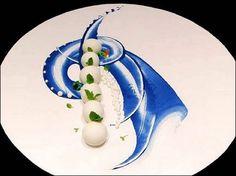 Marco Blue - L'art de dresser et présenter une assiette comme un chef de la gastronomie... > http://visionsgourmandes.com Et bientôt le livre que vous pouvez déjà pré-acheter... > http://visionsgourmandes.com/?page_id=7611 . Partagez cette photo... ...et...