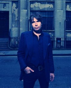 JUSTIN CURRIE: 'I HATE MYSELF FOR LOVING YOU' VIDEO + DEL AMITRI UK TOUR
