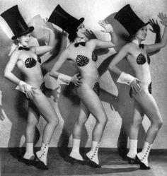 Vaudevile showgirls