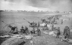 Soviet artillery bombarding German positions during the Battle of the Seelow Heights. This battle would be the last stand of German forces outside Berlin who faced a million man Russian army with one hundred thousand Volkssturm. Birthday Celebration, History Online, Women's History, British History, Ancient History, American History, Soviet Army, American War, Tanks
