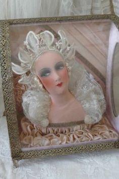 ANTIQUE FRENCH BOUDOIR DOLL IN WEDDING DISPLAY BOX CASKET BRIDAL EDWARDIAN