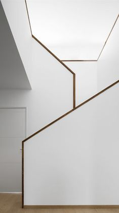 Besty Modern Minimalist Interior Design Inspiration Contemporary design refers to a time period, it's a design style that was produced in the It is a trend these days especially for those people whose main focus is the function of… Interior Staircase, Staircase Design, Interior Architecture, House Stairs Design, Stair Handrail, Staircase Railings, Staircases, Banisters, Minimalist Interior