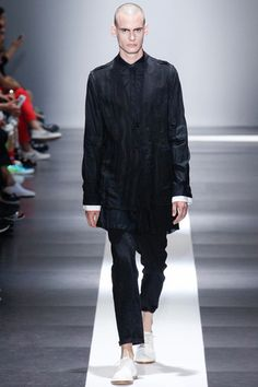 Ann Demeulemeester Spring 2015 Menswear Collection Slideshow on Style.com