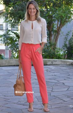 Coral Pants Outfit, Western Girl Outfits, Spring Summer Fashion, Spring Outfits, Sexy Outfits, Casual Outfits, Business Professional Outfits, Outfit Look, Over 50 Womens Fashion