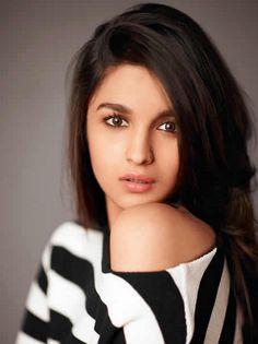 Bollywood Girls, Indian Bollywood, Bollywood Stars, Bollywood Celebrities, Indian Celebrities, Bollywood Outfits, Bollywood Fashion, Hindi Actress, Bollywood Actress